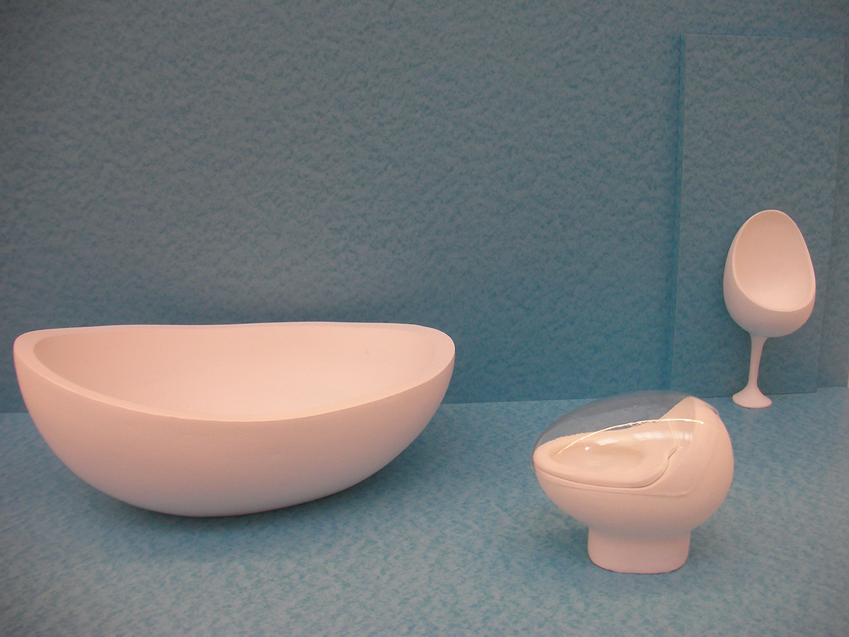 Models of Bathtub & Toilet which are shown in Karuizawa Gallery